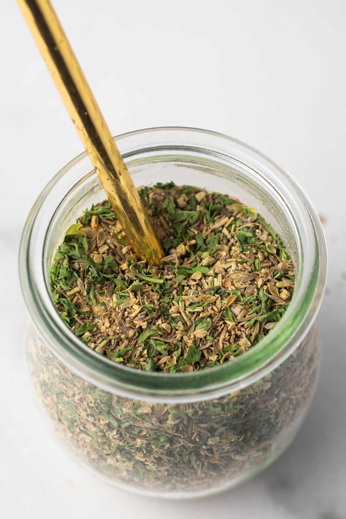 Jar of DIY Italian seasoning.
