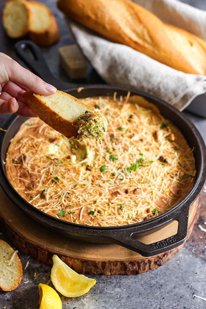 vegan creamy hot broccoli dip