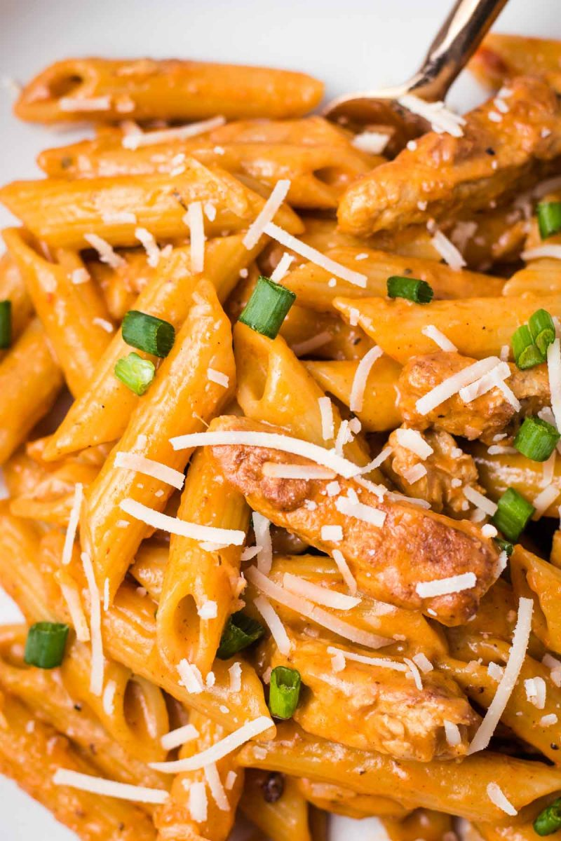 A close-up of creamy cajun pasta.