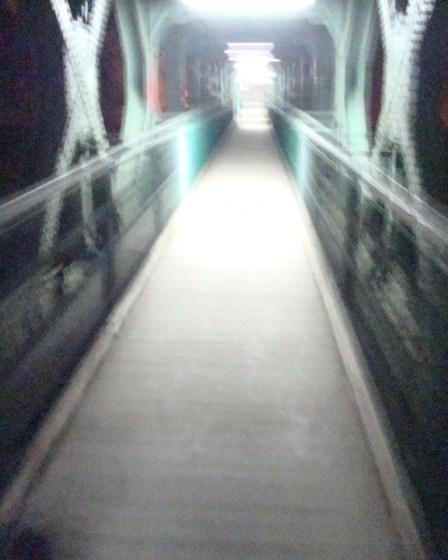(c) Karl Baumann 2011: Die Eisenbahnbrücke, Innsbruck im Januar