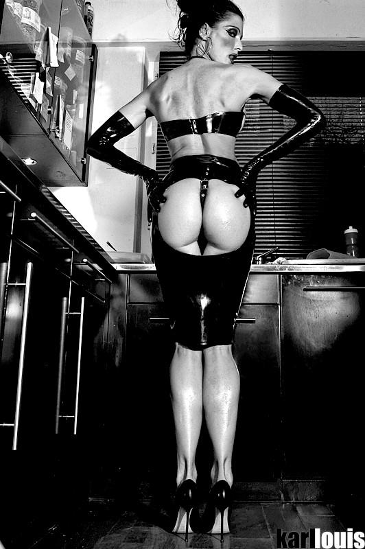 Elizabeth Carson Latex Kitchen
