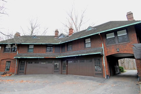 South Park Boulevard Carriage House