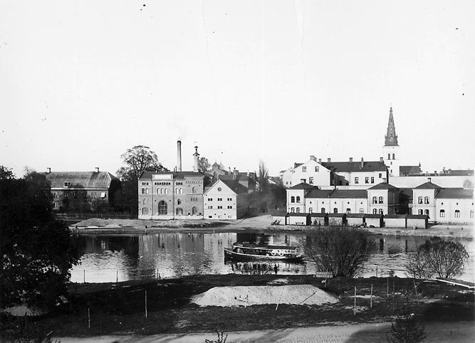 Karlstads bryggeri. Utfyllnaden för anläggande av Sandgrundsgatan har just påbörjats.