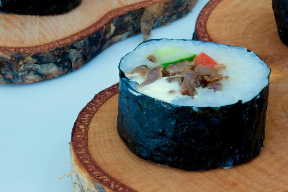 Renmaki med lingonsriracha – sushi på norrländska