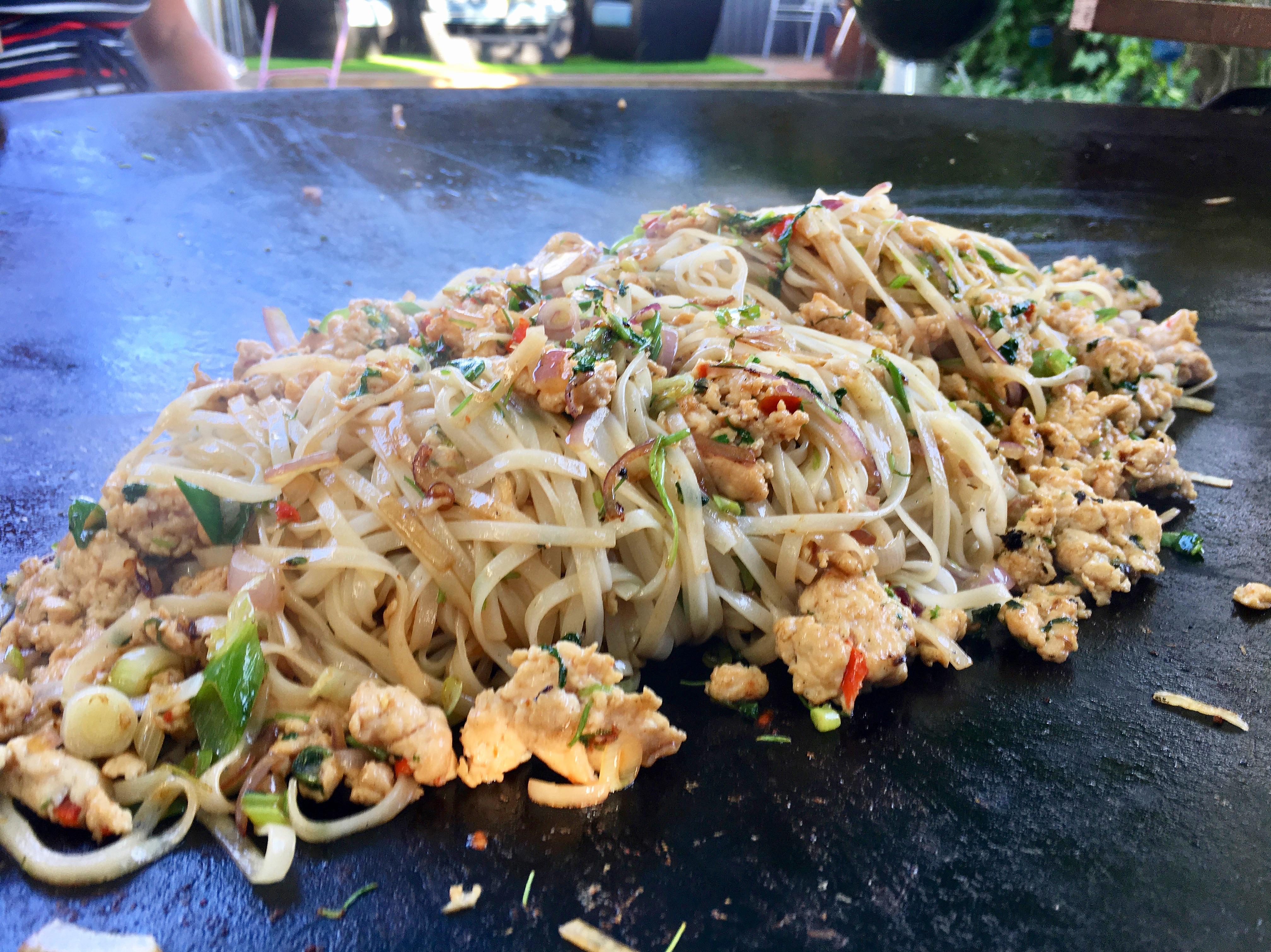 Gad pai krapow - wok på stekhällen