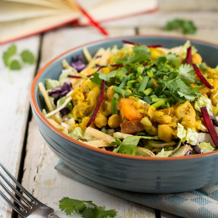 Easy Salad with Chickpea Dahl