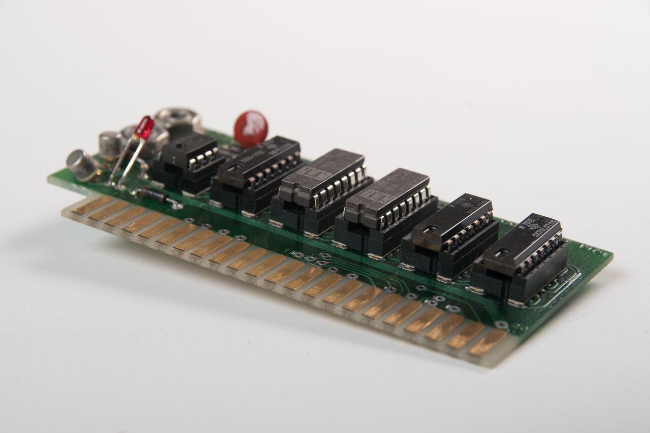 Раритетный прототип Apple-1