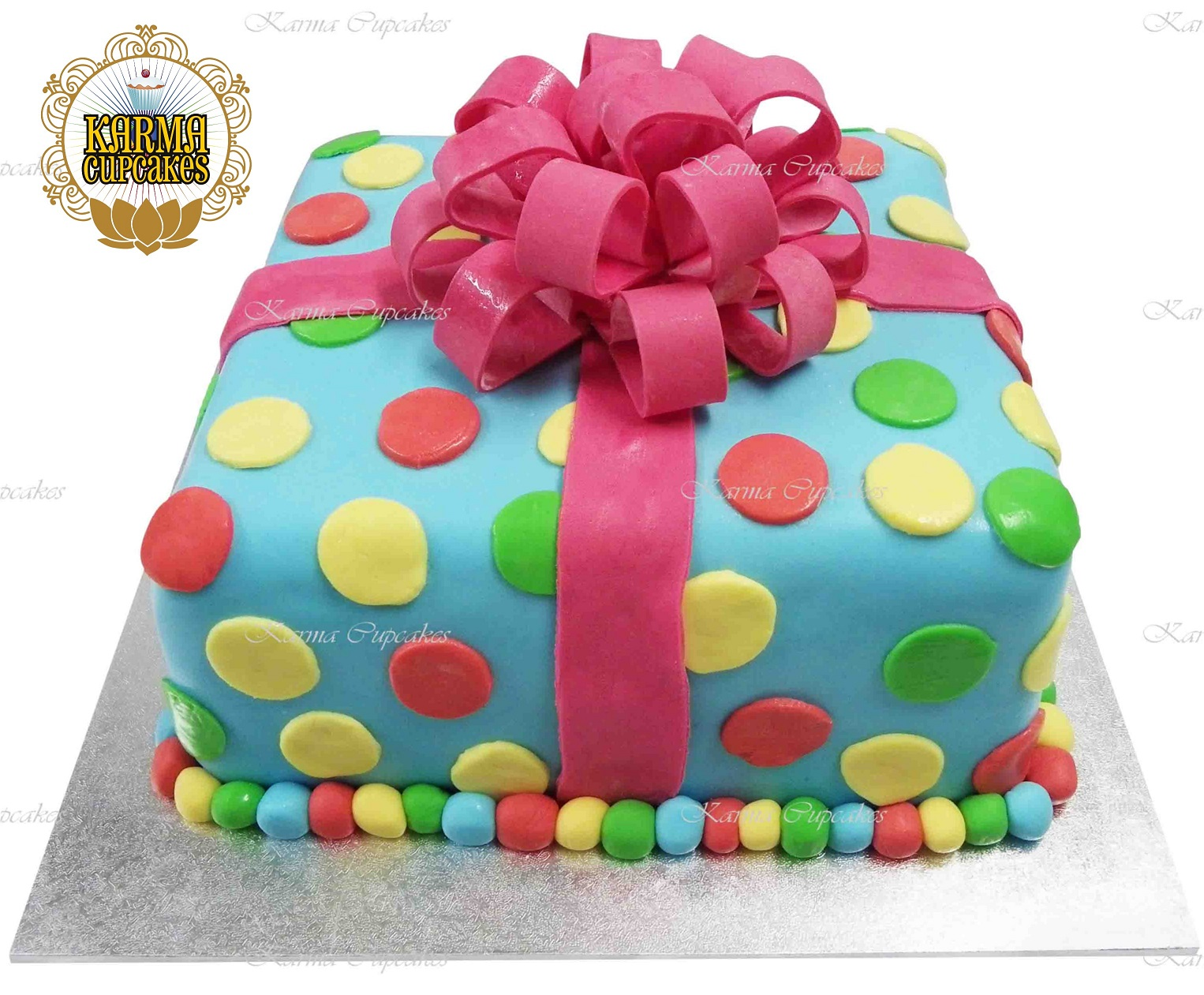 3d Polka Dot Birthday Present Cake With A Large Sugar Bow