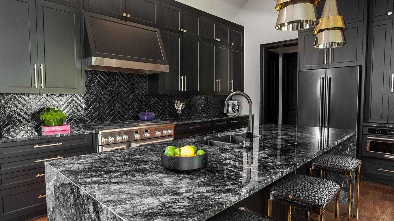 Siyah mermer modern mutfak tasarımı