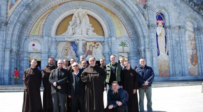 Hodočašće u domovinu roditelja našega Reda prigodom 500. obljetnice rođenja sv. Terezije