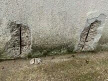 Showing a crack in the wall