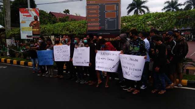 Gerakan Rakyat Anti Korupsi (GERTAK) Malang Raya, Gertak Malang, Korupsi Sekda Malang, Kabupaten Malang, Didik Muljono, Didik Budi Muljono, Mantan Sekda Malang di Laporkan