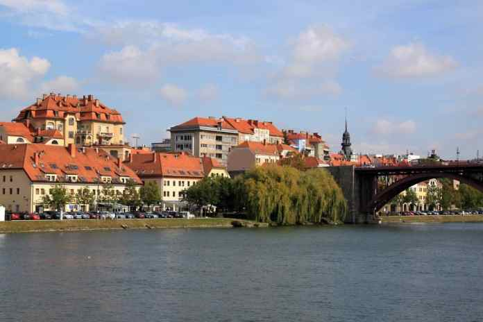 Old Town in Maribor with river