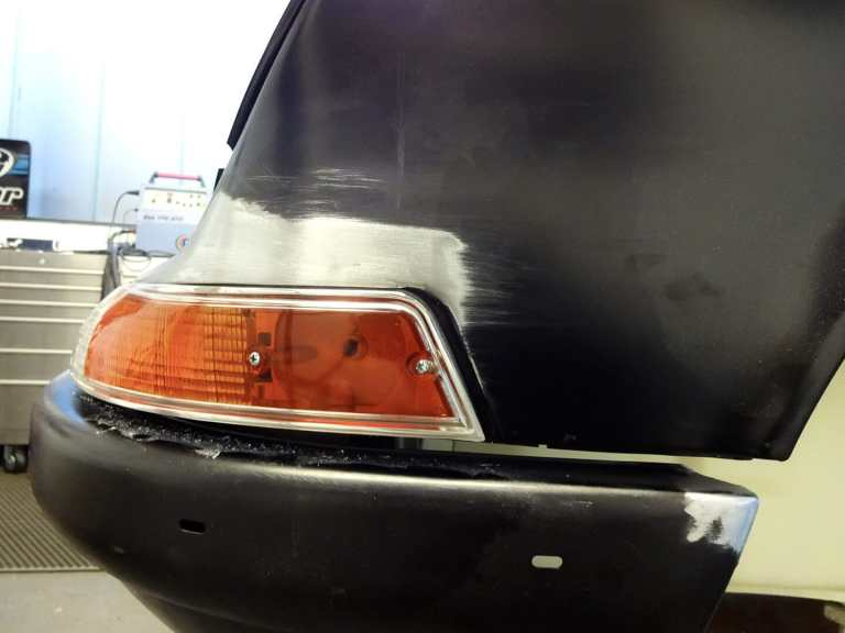 Karosserie-Restauration Porsche 911 Targa S (1963), Blinker-Einpassung