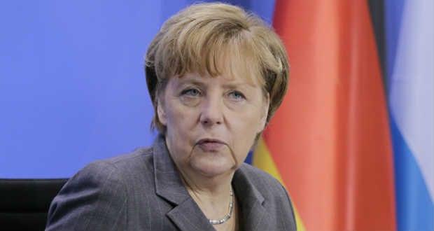 Merkel állandó menekültelosztási rendszert akar
