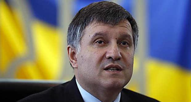 Avakov a hivatásos hadseregre való áttérés mellett emelt szót