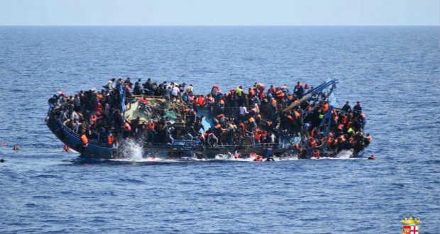 Több mint ezer embert mentettek meg az észak-afrikai és az olasz partok között