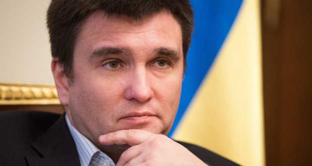 Klimkin a kettős állampolgárság lehetőségének a megvitatását javasolja