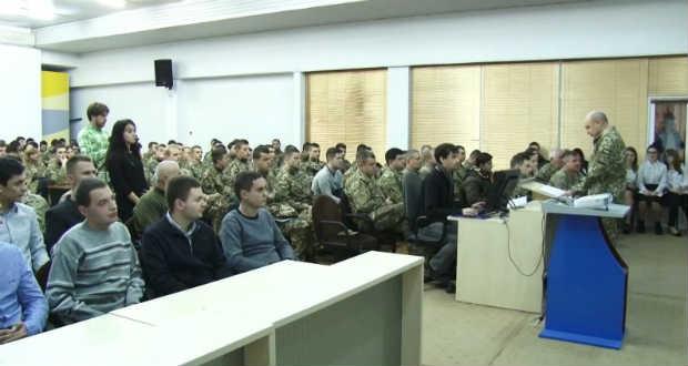 Kibocsátotta az első végzősöket az UNE katonai tanszéke