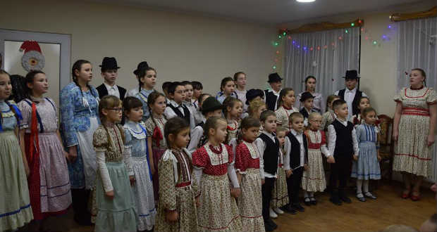 Karácsonyi évzáró alkalom az I. Kárpátaljai Népi Zenedében