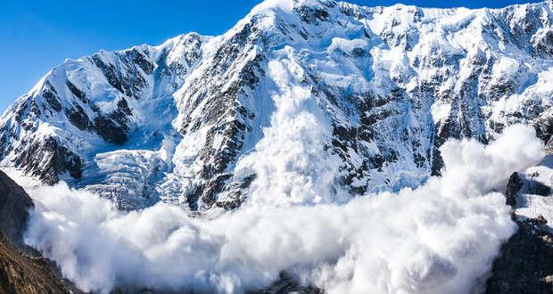 Lavina sodorta el az olasz alpesi mentőszolgálat embereit