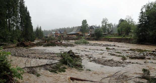 Ukrajnában és más országokban is áradásokat okoz a heves esőzés