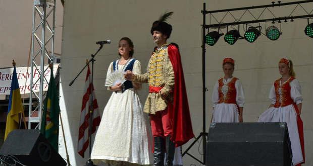 Vasárnap Önt is grófi család várja az ungvári várba