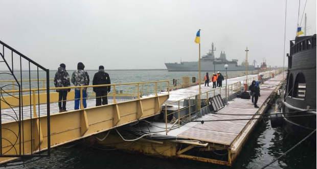 Brit hadihajó érkezett Odessza kikötőjébe