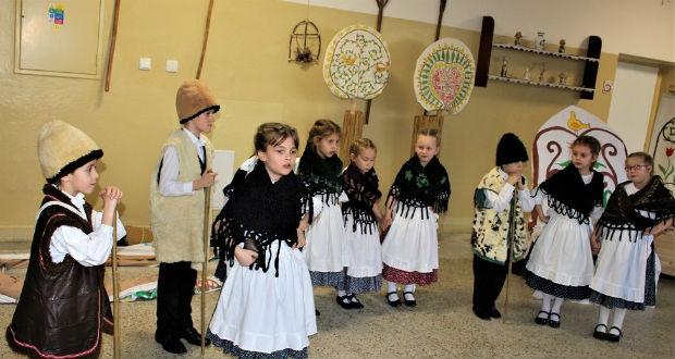 Hagyományápolás csak tiszta forrásból a lévai magyar alapiskolában