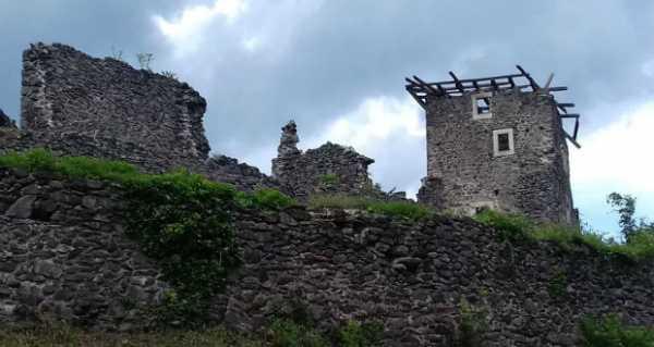 Tavasszal megkezdődik a nevickei vár tornyainak rekonstrukciója