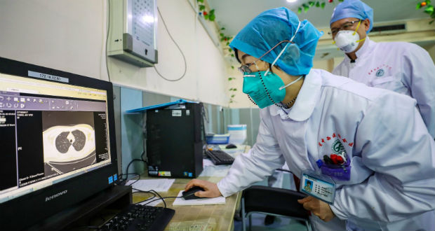Az EU tízmillió eurót különít el a koronavírussal összefüggő kutatásokra