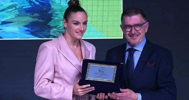 Hosszú Katinka átvette Az év európai női sportolója díjat