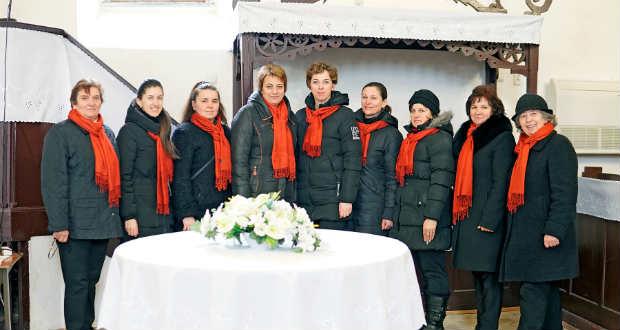Felhangolva: Riport a Szalókai Református Énekkar tagjaival