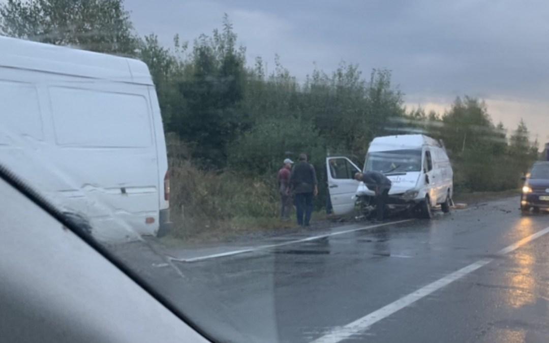 Két kisbusz ütközött a Munkácsi járásban