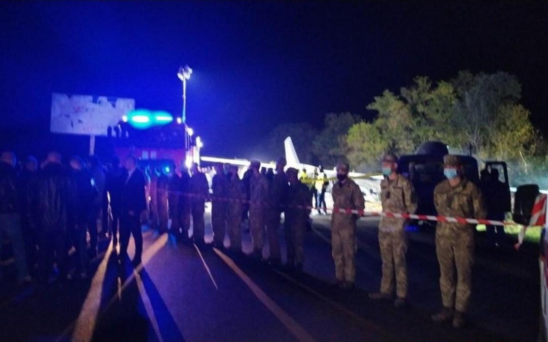 Harkovi repülőgép-szerencsétlenség: három embert még keresnek a roncsok alatt