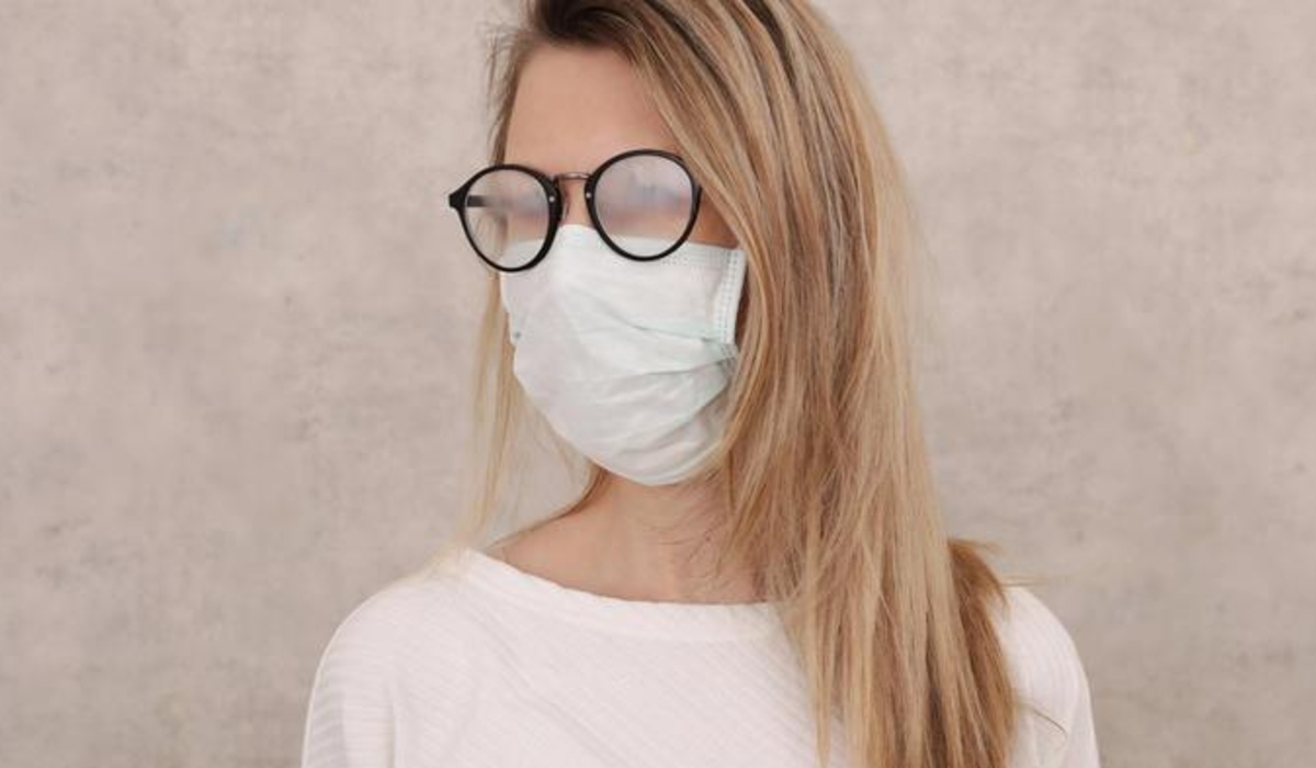 maszk, szemüveg