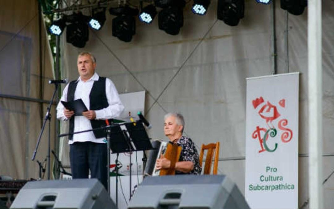 Felhangolva: Birta István énekes