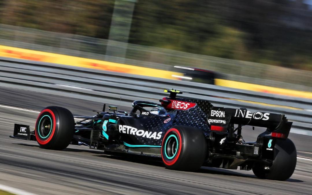 Bottas a pole pozícióban a Szahíri Nagydíjon