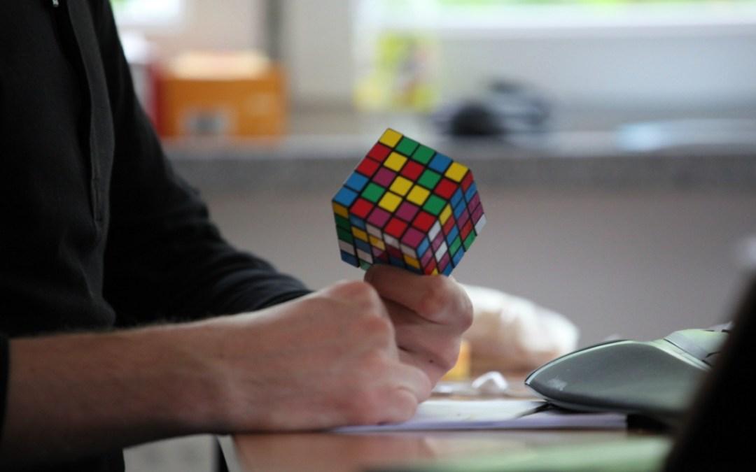 Egy kanadai játékgyártóhoz kerül a Rubik-kocka