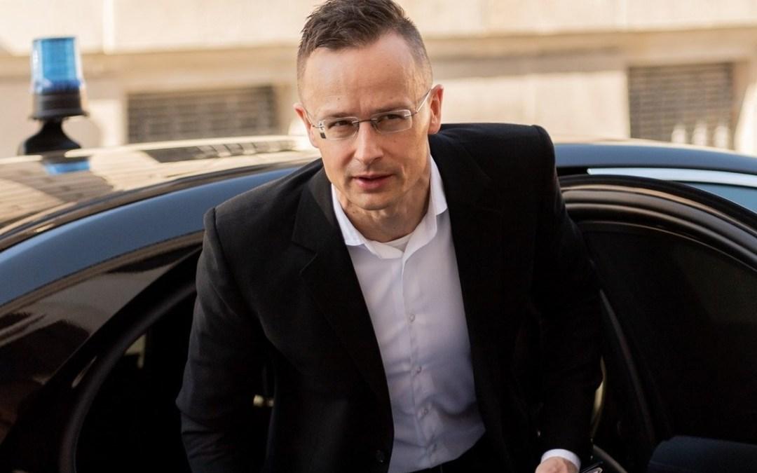 Szijjártó: szánalmas az ukrán külügyminisztérium döntése