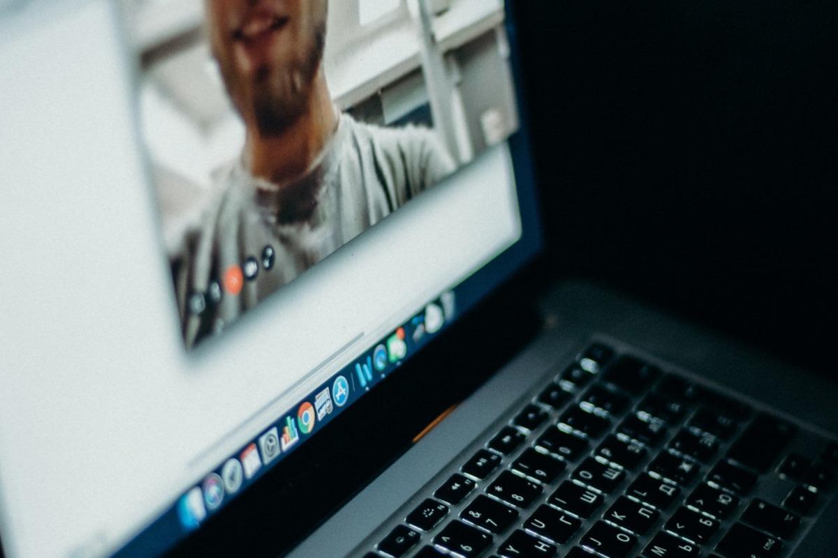 távoktatás laptop
