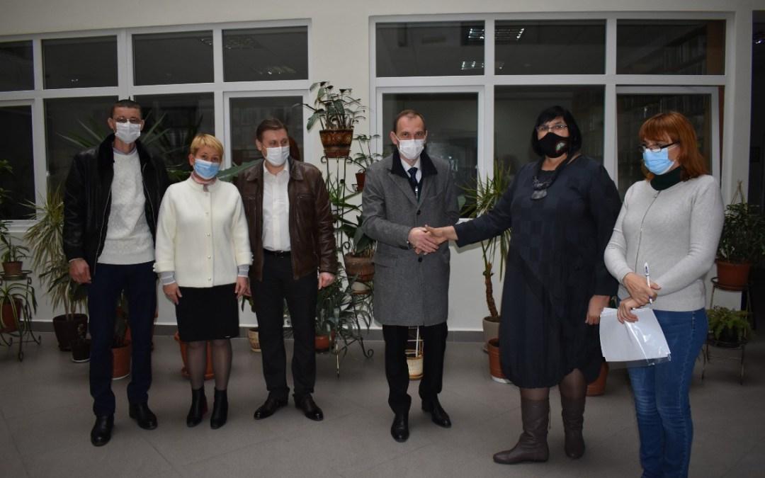 Egészségügyi csomagot adományozott a helyi kórháznak a Rákóczi-főiskola