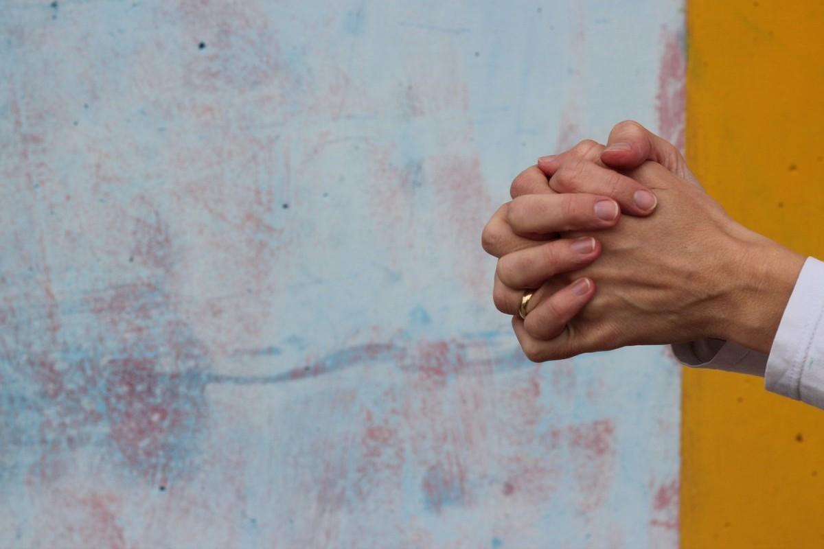 imádkozás kéz ima