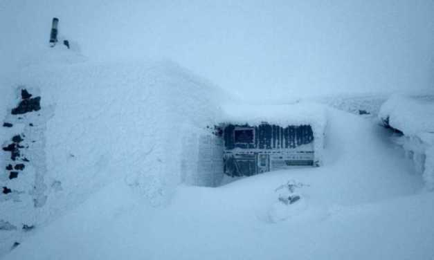 Több mint egyméter hó esett a Pop Ivánon