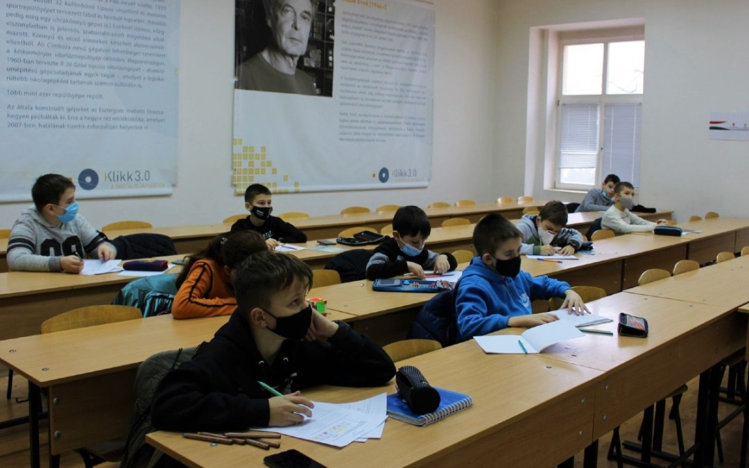 Matematika tehetséggondozó hétvége kezdődött Beregszászban