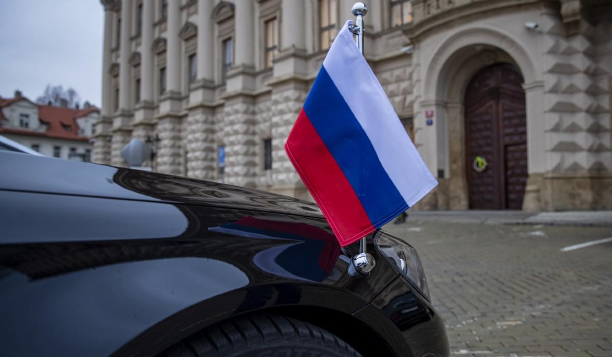 orosz diplomata autó