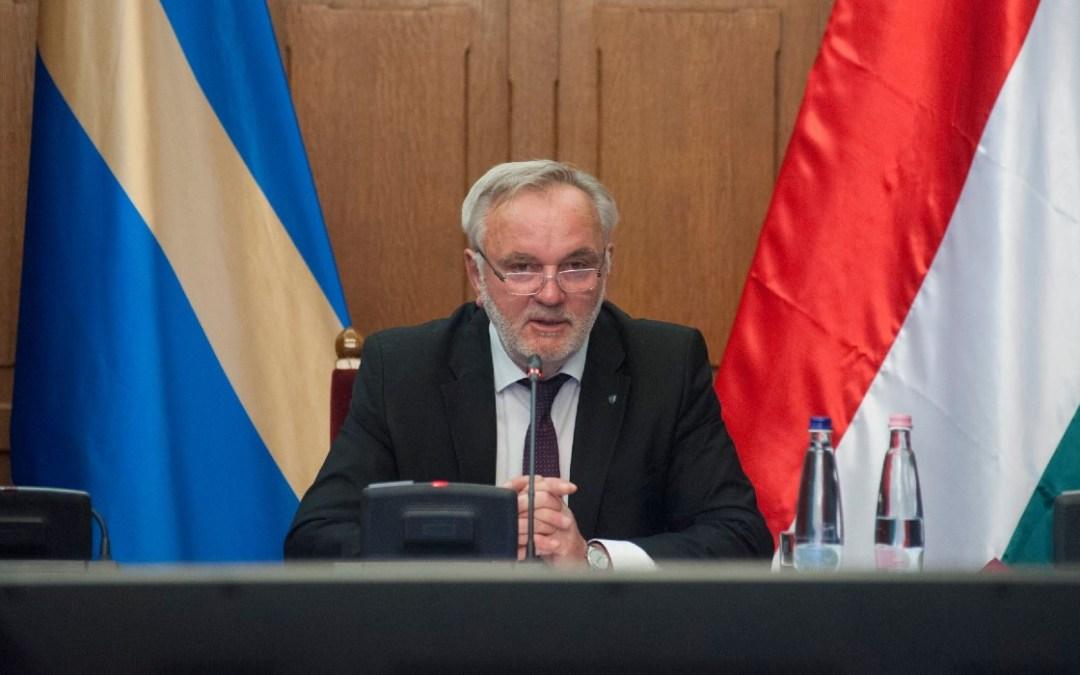 A magyar parlament elfogadta a Minority SafePack mellett kiálló határozatot