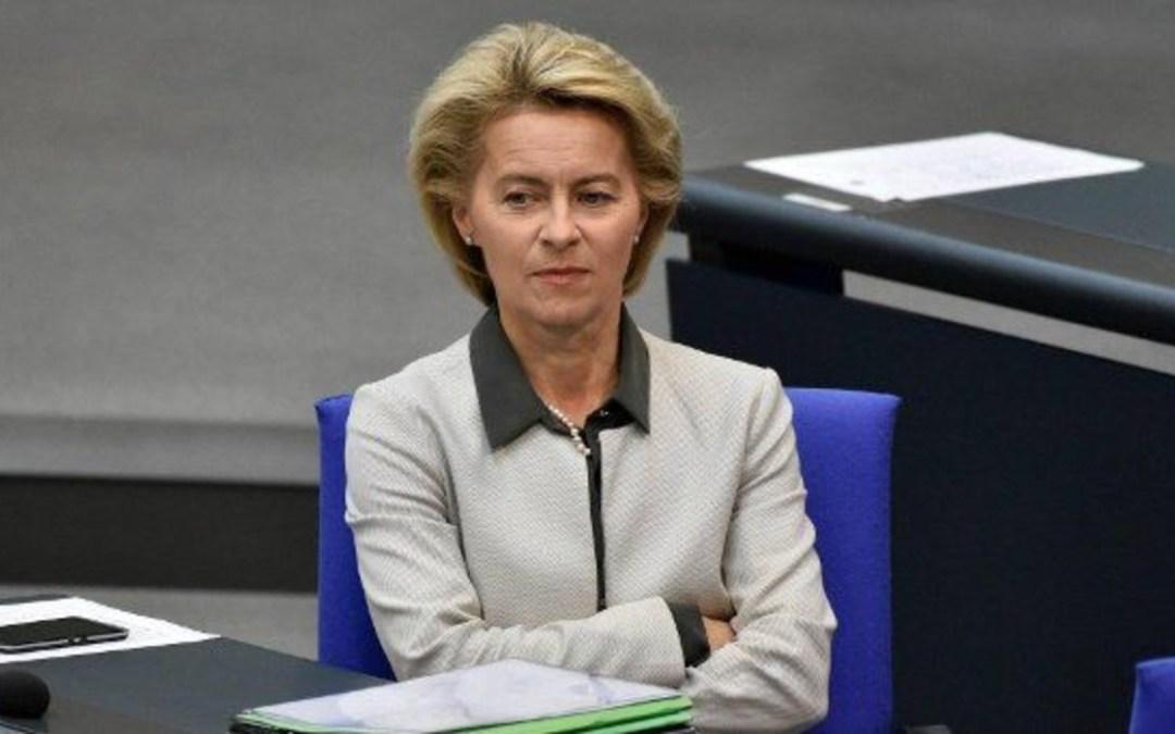 Furcsa indokkal utasította vissza Zelenszkij meghívását az Európai Bizottság elnöke