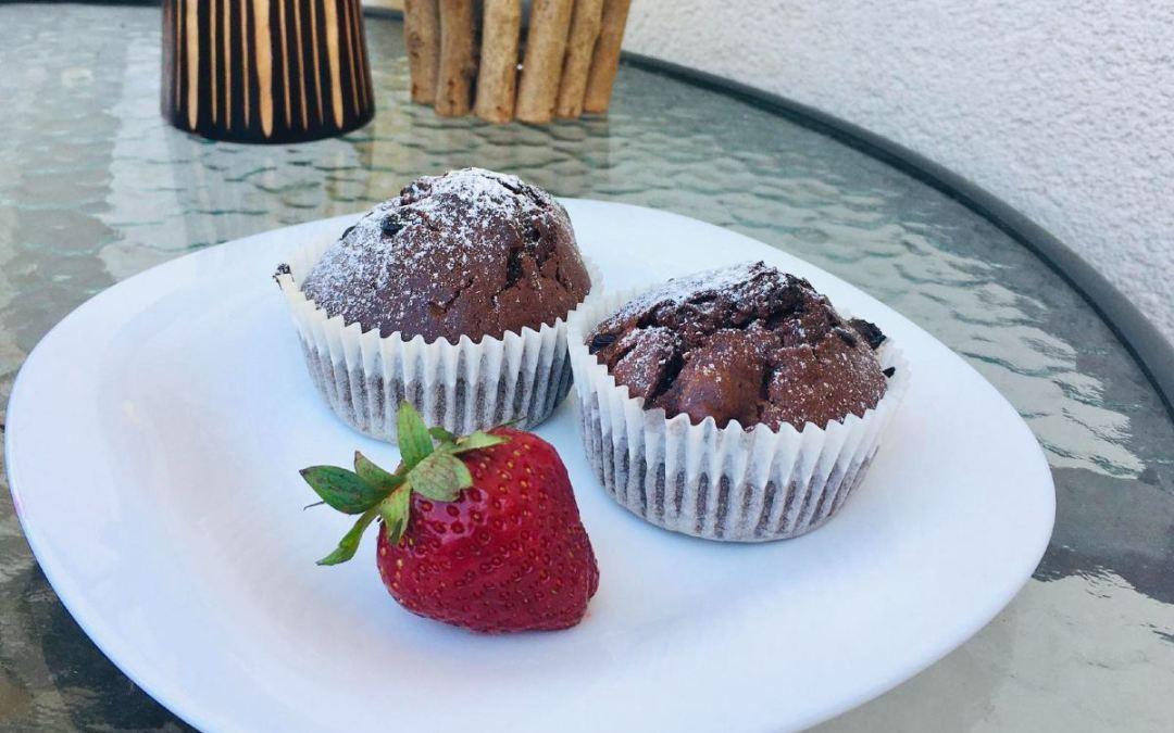 Csokis muffin idénygyümölcsökkel