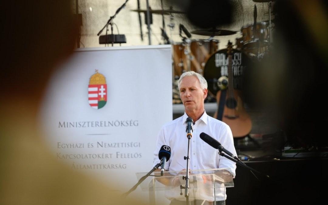 Soltész: Akkor maradunk meg, ha lesznek példaképek, lesz, aki továbbadja a nemzetiségi kultúrát
